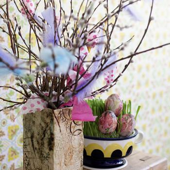 Pääsiäismunien koristelu servettikuvilla