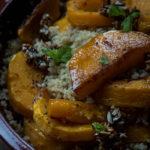 Kvinoa- kurpitsasalaatti
