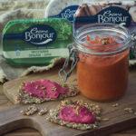 Sosekeitto ja levite porkkanasta ja punajuuresta