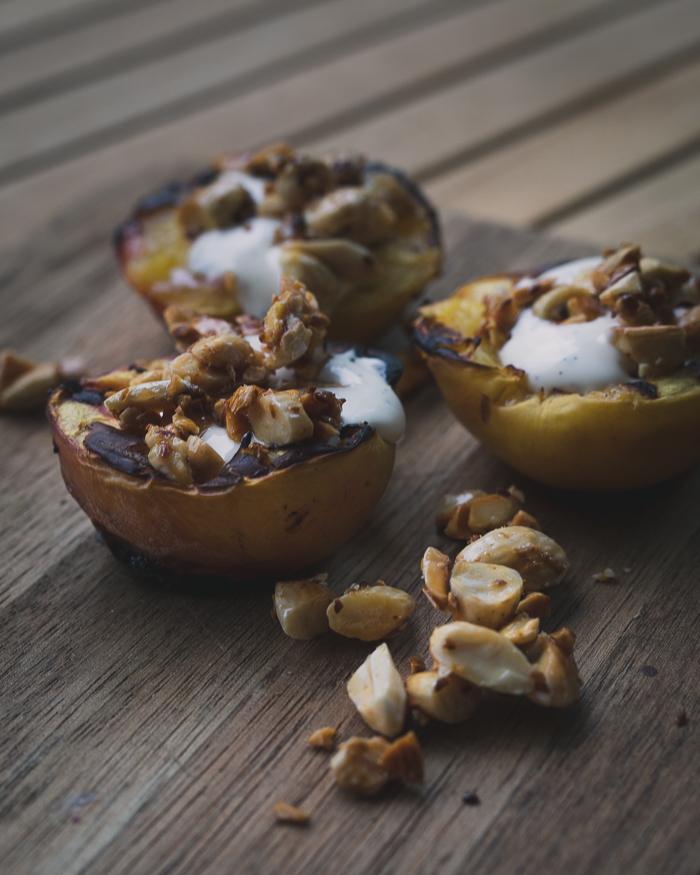 Grillatut nektariinit | jälkiruoka | grillaus | sokeriton | karppaus | vhh