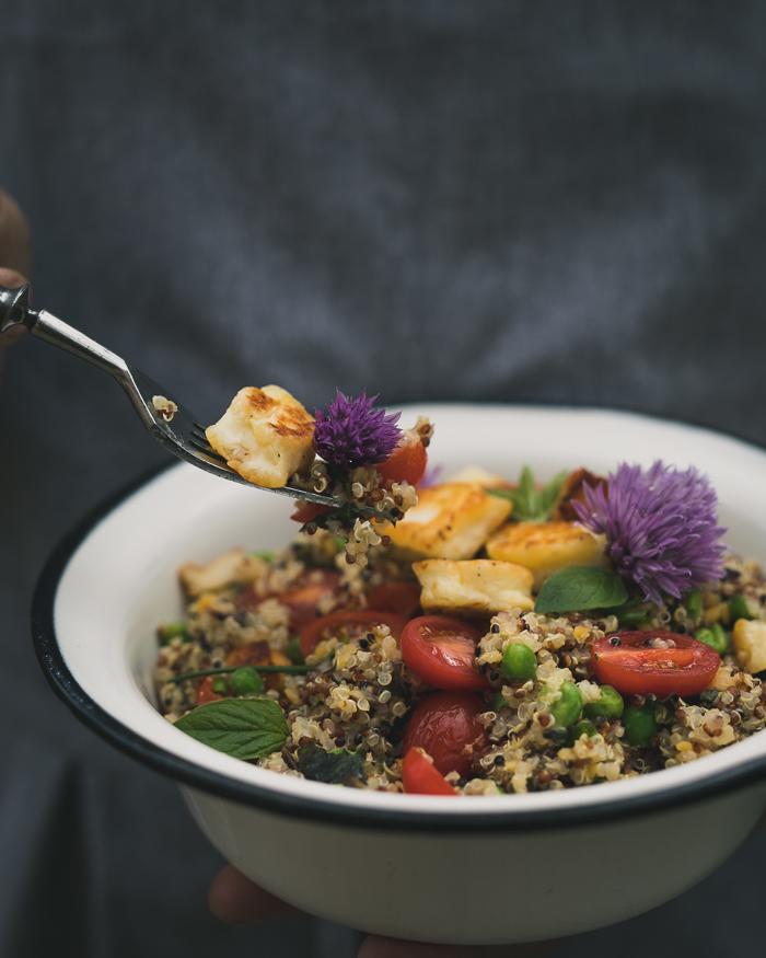 Kvinoasalaatti | salaatti | kasvisruoka | suurikeittokirjahaaste | ruokablogi | resepti