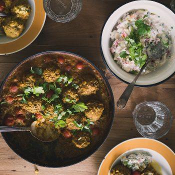 Linssi kofta curry kastikkeessa