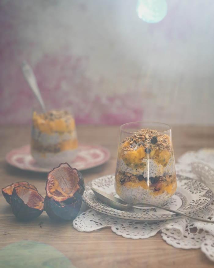 Chia-vanukas mangolla ja muilla herkuilla